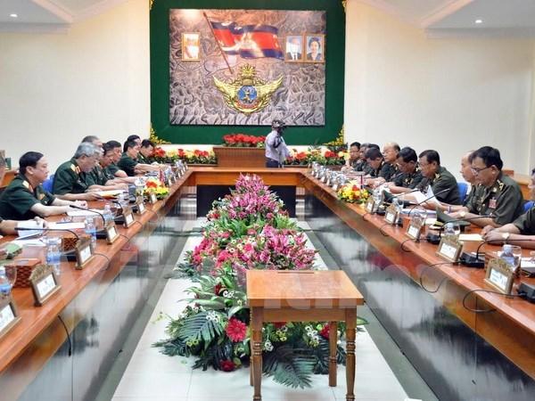 Acuerdan Vietnam y Cambodia impulsar cooperacion en defensa hinh anh 1