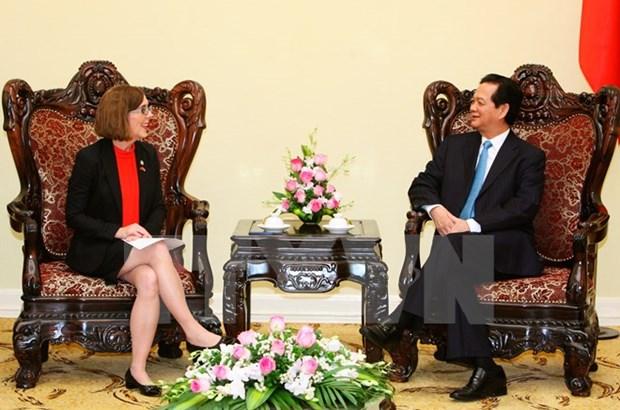 Premier vietnamita recibe a gobernadora del estado de Oregon hinh anh 1
