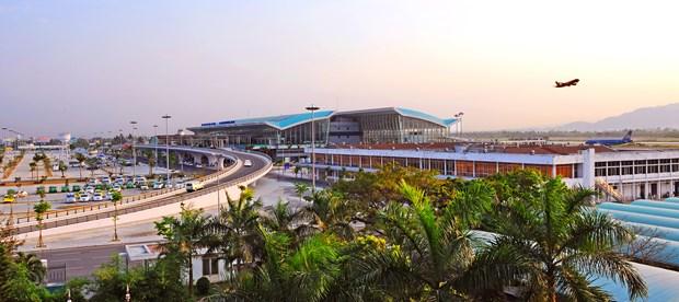 Aeropuertos vietnamitas entre los mejores de Asia hinh anh 1
