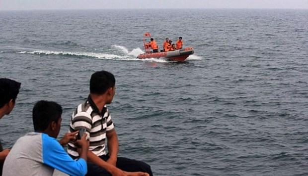 Concluye Indonesia busqueda de helicoptero estrellado en lago Toba hinh anh 1
