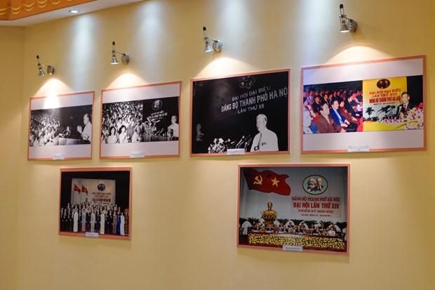En Hanoi abierta exposicion sobre Comite Partidista capitalino hinh anh 1