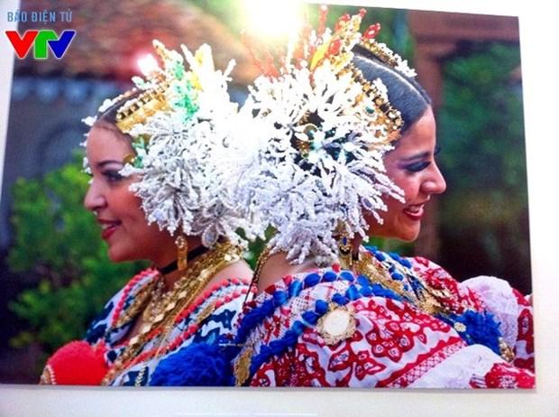 Belleza panamena hechiza al publico de Hanoi hinh anh 1