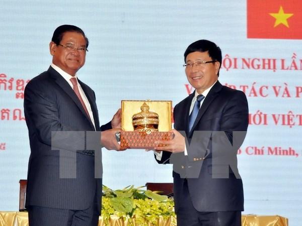 Decididos Vietnam y Cambodia a construir una frontera de paz hinh anh 1
