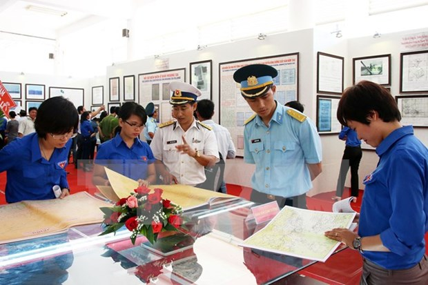 Exposicion documental ratifica soberania maritima vietnamita hinh anh 1