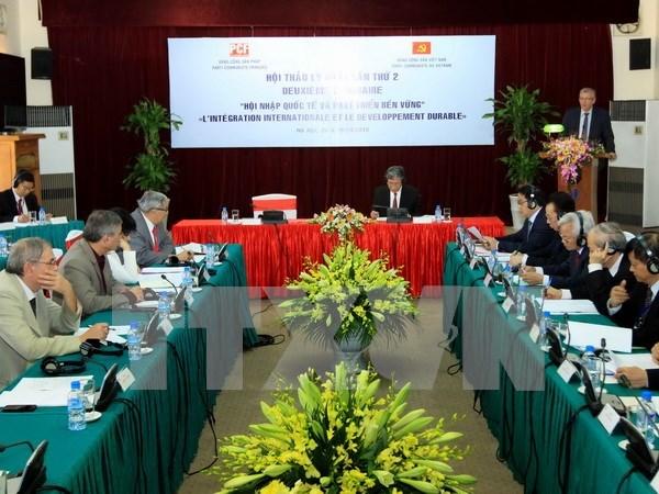Partidos Comunistas de Vietnam y Francia intercambian experiencias hinh anh 1