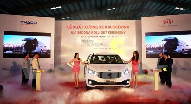 THACO lanza minivan Kia Sedona producido en Vietnam hinh anh 1