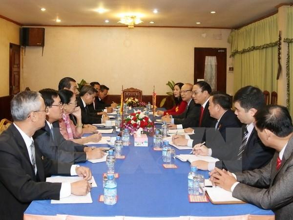 Laos destaca eficiencia de cooperacion con Vietnam en areas fronteriza hinh anh 1