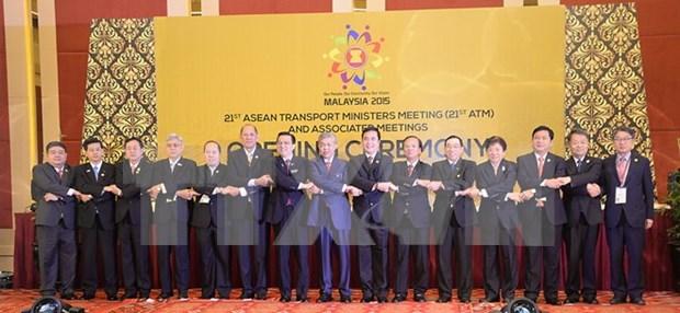 Fomentan conexion de transporte ASEAN, China y Japon hinh anh 1