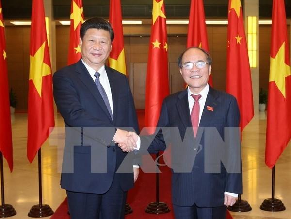 Presidente del Parlamento de Vietnam se reune con Xi Jinping hinh anh 1