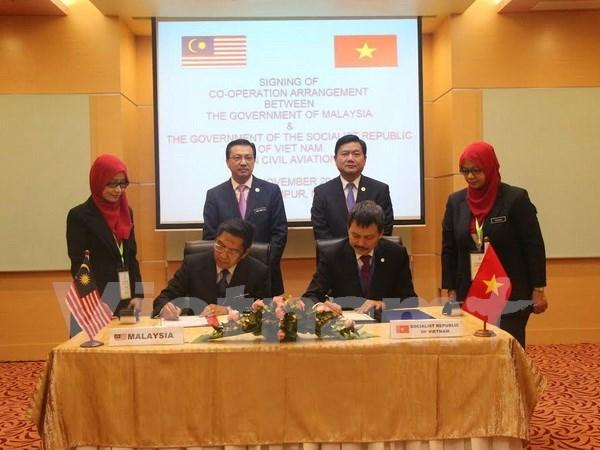 Vietnam y Malasia sellan acuerdo de cooperacion en aviacion civil hinh anh 1