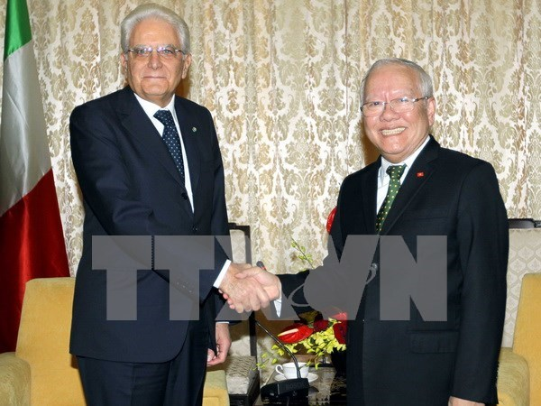 Presidente de Italia continua visita en Vietnam hinh anh 1