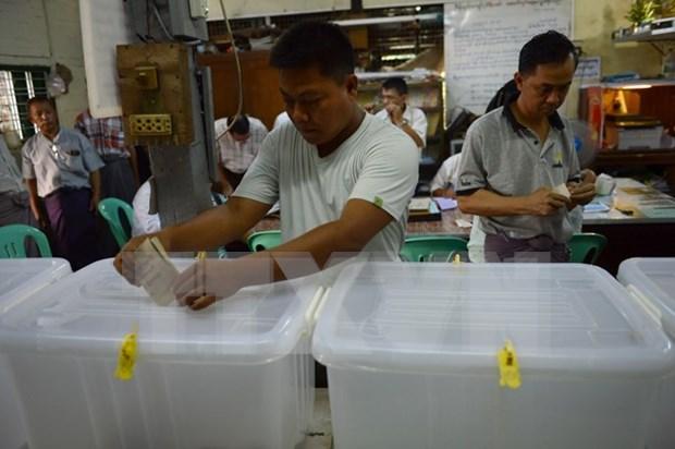 Celebran historicas elecciones en Myanmar hinh anh 1