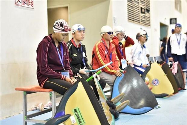 Vietnam gana tres medallas de oro del campeonato asiatico de buceo hinh anh 1