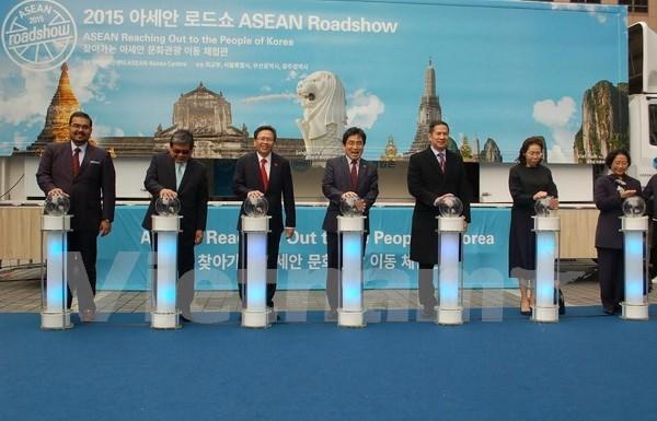 ASEAN Roadshow conecta el Sudeste de Asia con Sudcorea hinh anh 1