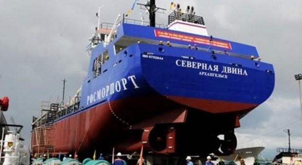 Botan al agua barco dragador para exportacion hinh anh 1