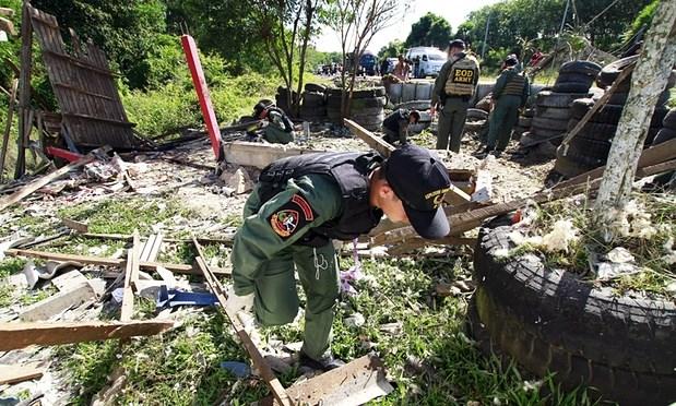 Al menos cuatro muertos en explosion de bomba en sur de Tailandia hinh anh 1