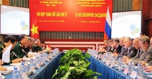 Vietnam y Rusia potencian cooperacion en desarrollo de tecnica militar hinh anh 1