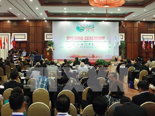 Vietnam llama a mantener paz y estabilidad en mares de Asia Oriental hinh anh 1
