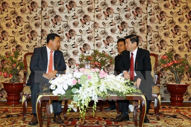 Profundizan cooperacion entre localidades vietnamitas y cambodianas hinh anh 1