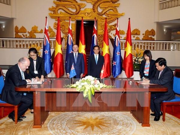 Vietnam – Nueva Zelanda apuntan elevar trasiego comercial a mil 700 millones USD hinh anh 1