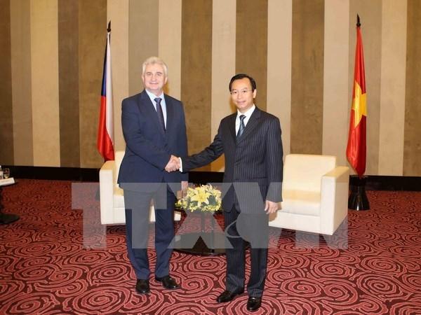 Concede Vietnam gran importancia a nexos con Republica Checa hinh anh 1