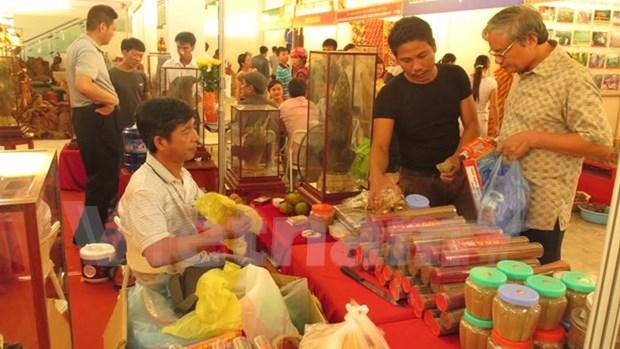Sellan Vietnam y China contratos de 325 millones de dolares en feria comercial hinh anh 1