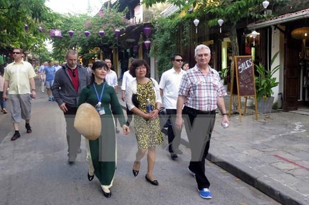 Recorrido de presidente de Senado checo por provincia vietnamita hinh anh 1