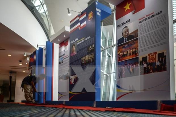 Unos dos mil periodistas acreditados para cubrir la Cumbre de ASEAN hinh anh 1