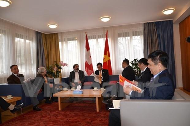 Delegacion partidista vietnamita concluye visita de trabajo en Suiza hinh anh 1