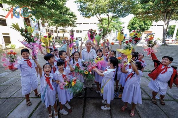 Multiples actividades conmemorativas por el Dia del Maestro de Vietnam hinh anh 1