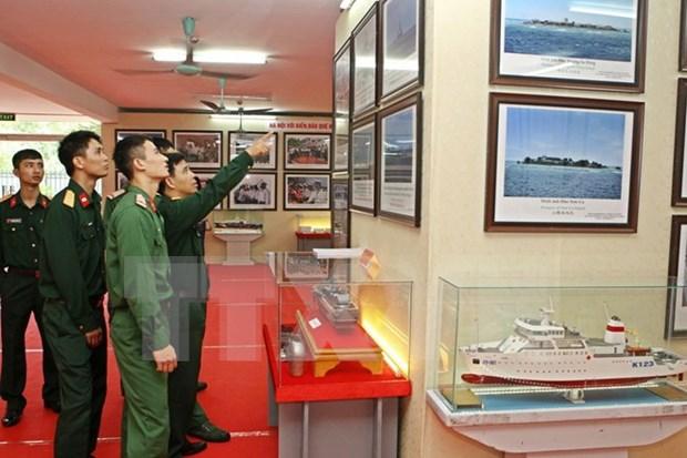 Vietnam realiza exposicion sobre archipielagos nacionales en Hanoi hinh anh 1