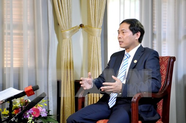 Vietnam contribuye activamente al exito de XXIII Cumbre de APEC hinh anh 1