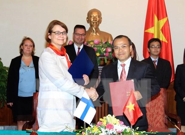 Propone Vietnam a Finlandia exencion de visado para diplomaticos hinh anh 1