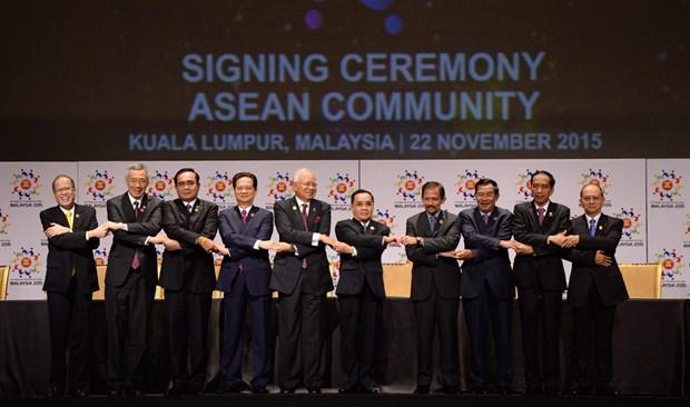 Lideres de ASEAN: Formacion de Comunidad es gran exito de casi un medio siglo hinh anh 1