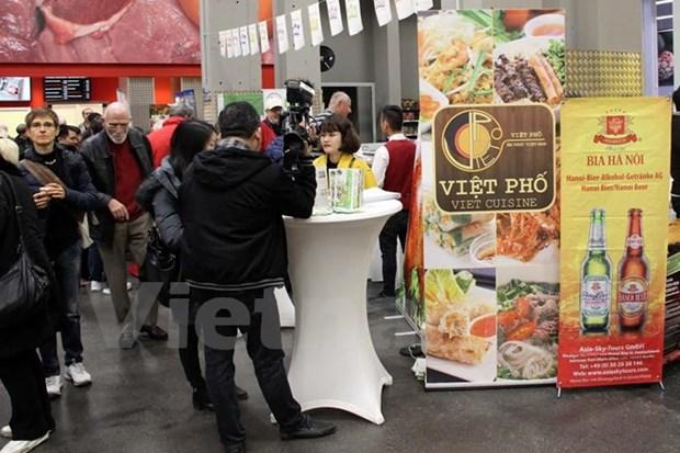 Actividades de promocion comercial de Vietnam en Alemania y Polonia hinh anh 1