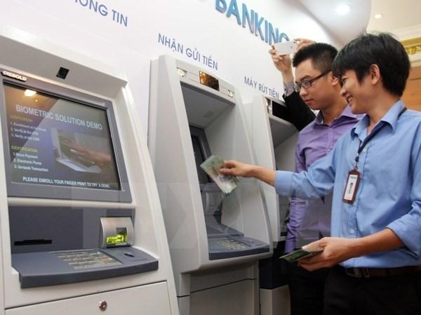 Vietnam aumenta 12,4 por ciento salario minimo regional hinh anh 1