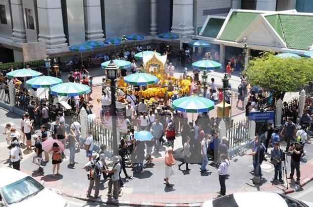 Incriminan a dos autores de origen chino de ataque con bomba en Bangkok hinh anh 1