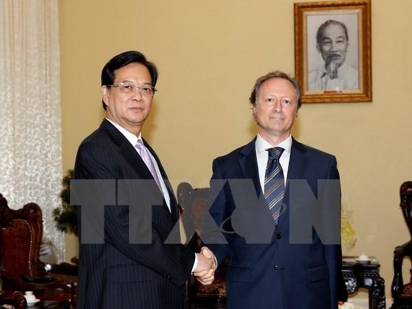 Premier vietnamita recibe a nuevo embajador de UE hinh anh 1