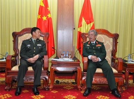 Vietnam consolida cooperacion en defensa con China y Rusia hinh anh 1
