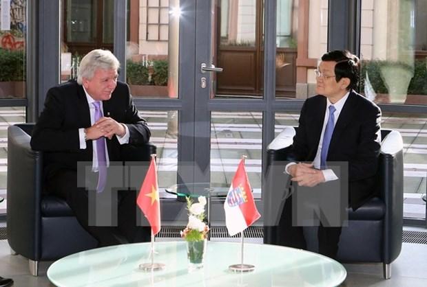Presidente vietnamita concluye visita a Alemania hinh anh 1
