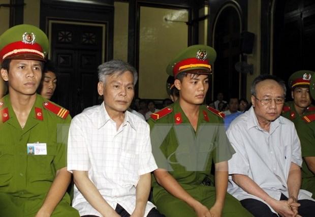 Dos condenados a muerte en severo caso corruptivo en Vietnam hinh anh 1