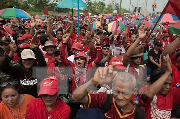 """Premier tailandes acusa a """"camisas rojas"""" de incitar desorden hinh anh 1"""