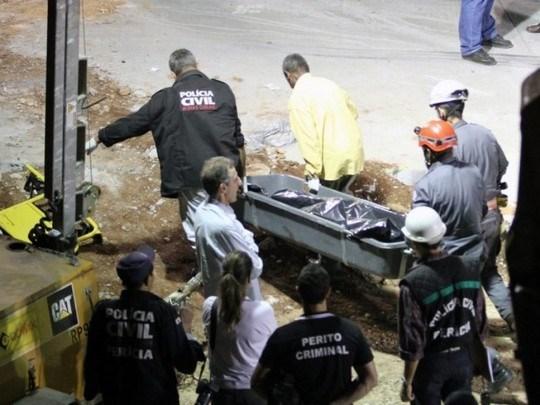 Dos turistas muertos y 49 heridos en accidente de autobus en Tailandia hinh anh 1