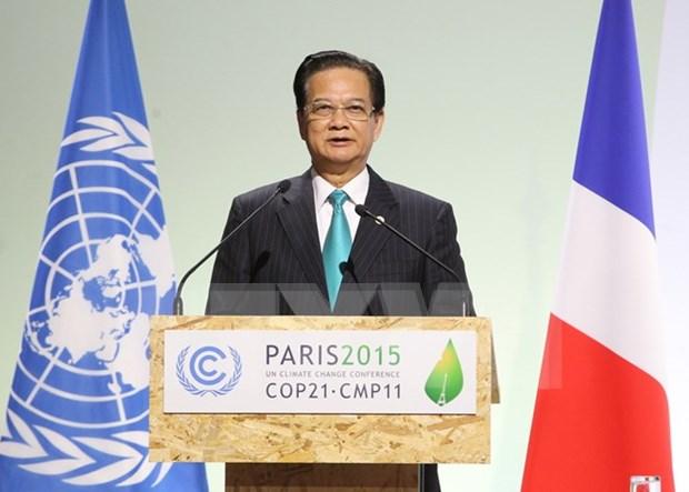 Premieres vietnamita y frances acuerdan medidas de promover nexos bilaterales hinh anh 1