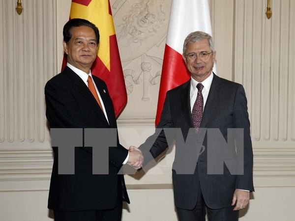 Premier vietnamita propuso el apoyo de Francia al acuerdo de asociacion con UE hinh anh 2