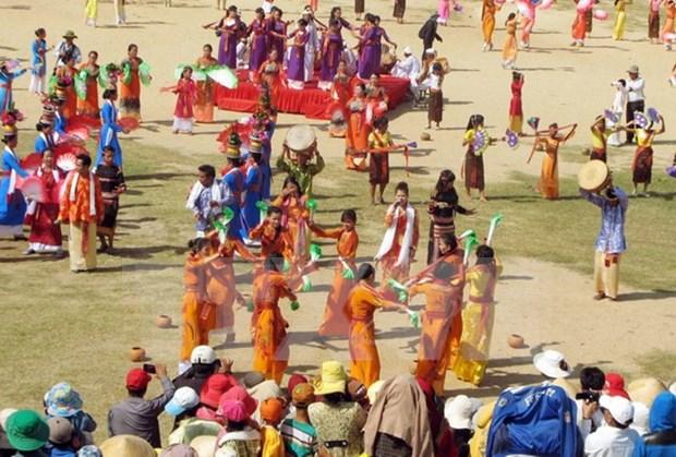 Postulan torres Cham y Festival Kate de Vietnam a reconocimiento de UNESCO hinh anh 3