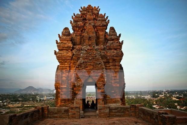 Postulan torres Cham y Festival Kate de Vietnam a reconocimiento de UNESCO hinh anh 1