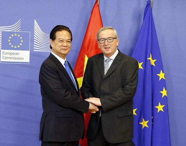 Primer ministro vietnamita se reune con presidente de la Comision Europea hinh anh 1