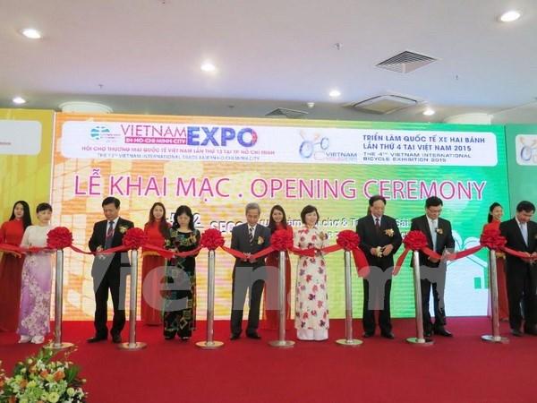 Inauguran ferias internacionales de comercio en Vietnam hinh anh 1