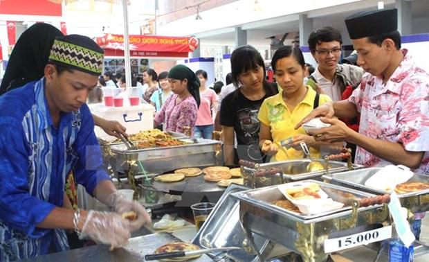 """Festival culinario """"Comunidad de ASEAN con amigos internacional"""" en Hanoi hinh anh 1"""